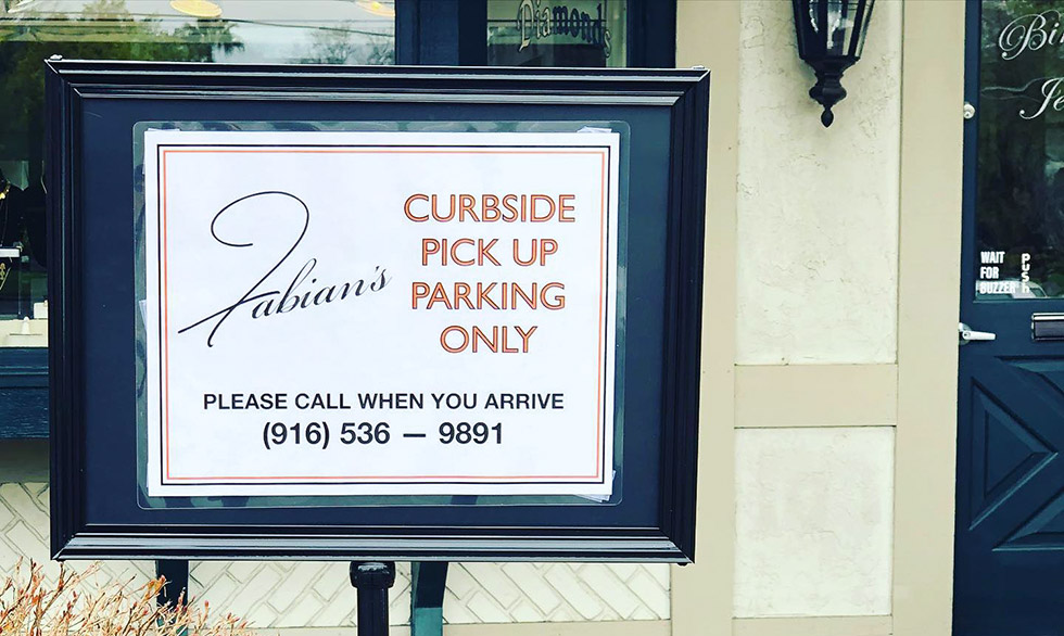 Fabian's Italian Bistro curbside pick up. Parking only.
